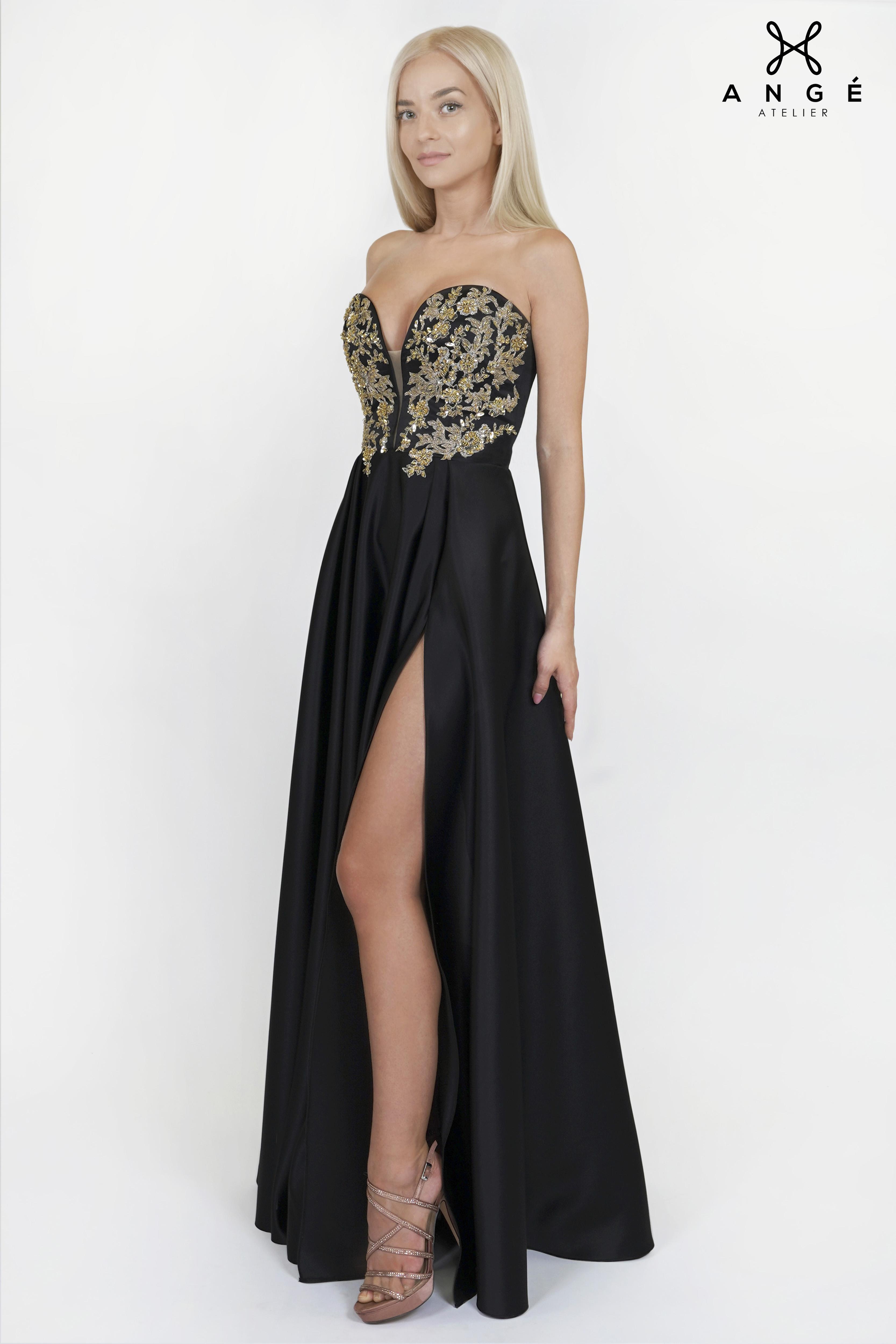 Accesorizarea unei rochii de seara