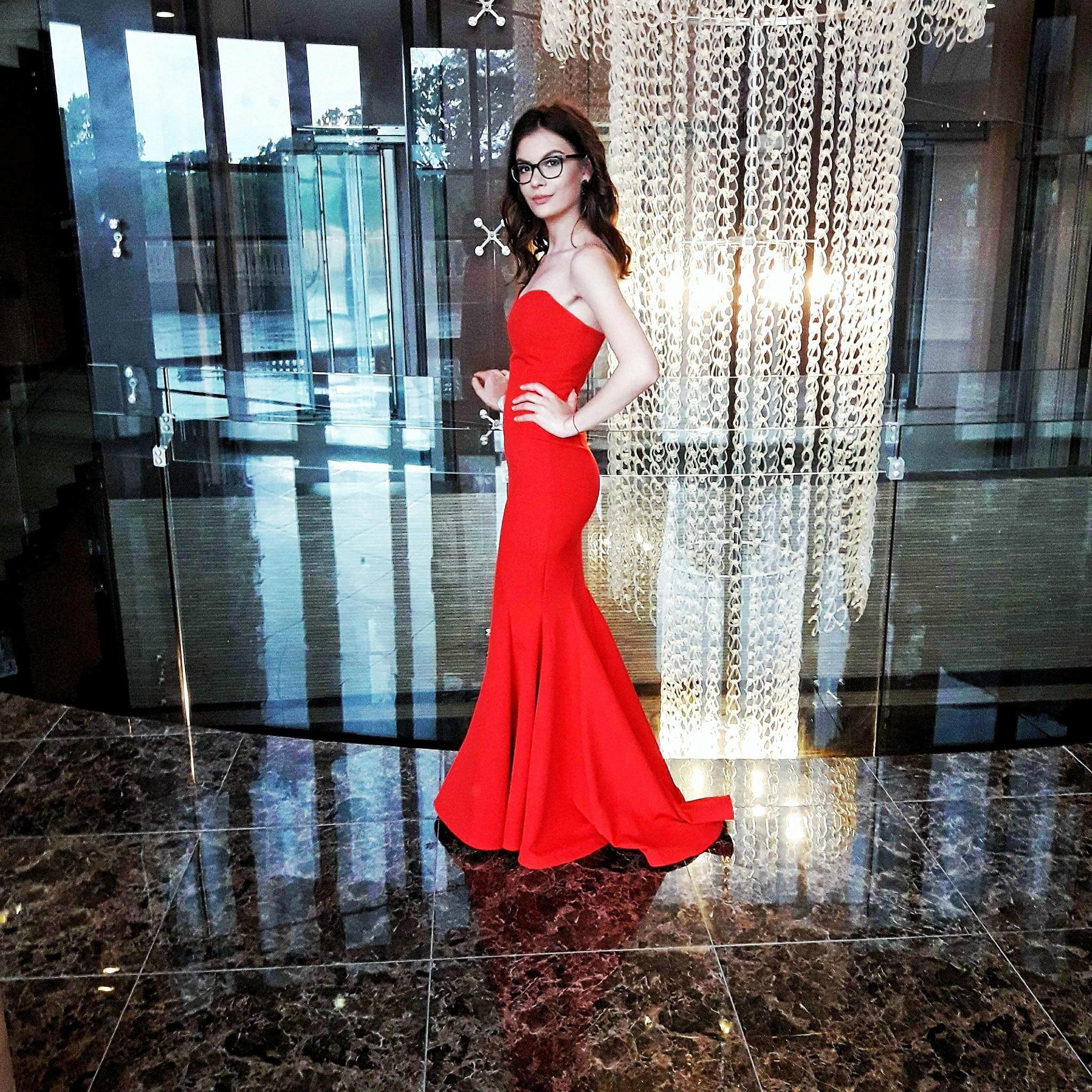 rochie sirena rosie banchet angeatelier cliente