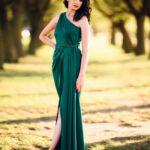 Rochie Absolvire Facultate Model Sirena Umar Asimetrica Verde AngeAtelier